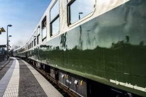 Nostalgische Eisenbahnromantik mit dem Zwergen-Express