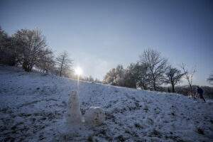 Sonne, Schnee und Sterne. Winterliche Sichtweisen im Januar eingefangen.