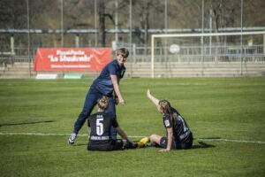Die Frauen des FC Carl Zeiss Jena gewinnen am Mittwoch-Nachmittag gegen Borussia Mönchengladbach mit 3:0 (1:0) im Jenaer EAS.